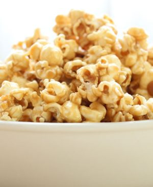 salted-caramel-popcorn-1-e1444414640675